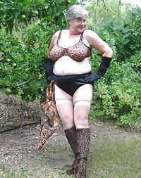 Granny bbw in lingerie