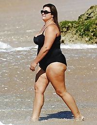 BBW matures and grannies at the beach 212