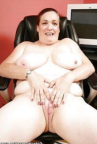 51 year old granny Lisa from OlderWomanFun