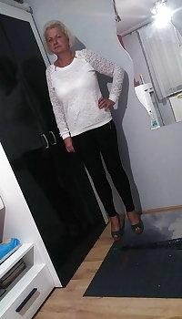 Beth - Sexy Granny