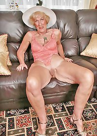 Grannies mature milf blowjob handjob sucking 5