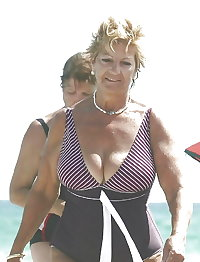 BBW matures and grannies at the beach (92)