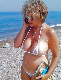 BBW matures and grannies at the beach 197