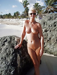 perfectly shaped matures and grannies 3
