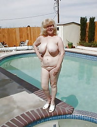BBW matures and grannies at the beach (62)