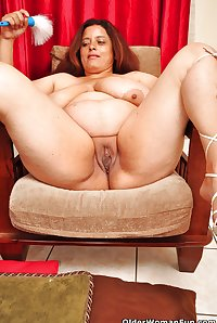 44 year old BBW milf Rosaly from OlderWomanFun